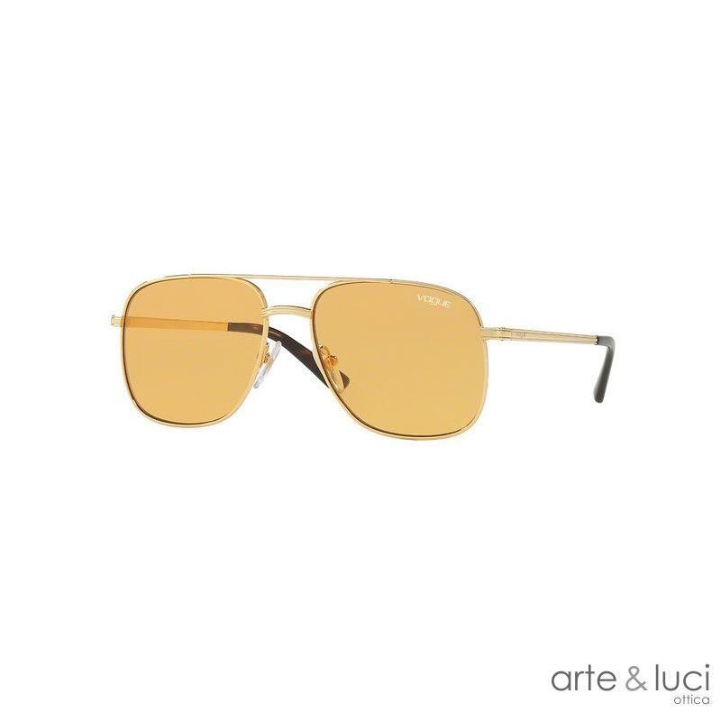 comprare popolare 715ff 73c06 Ottica Arte & Luci, vendita online Occhiale da sole Vogue ...